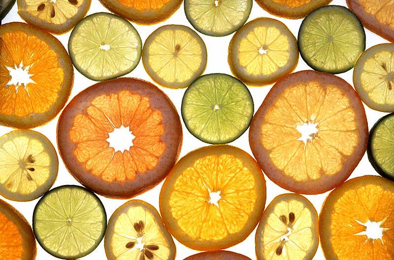 Большинство коммерческих сортов цитрусовых в основном производят из нуцелярых саженцев