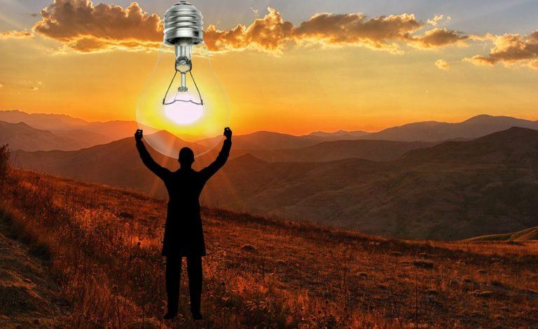 Лампа и Солнце являются источниками световой энергии.
