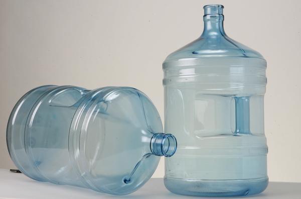 Бутылка из поликарбоната