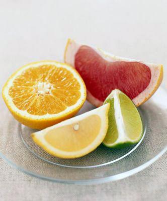 Цитрусовые фрукты это источник витамина С