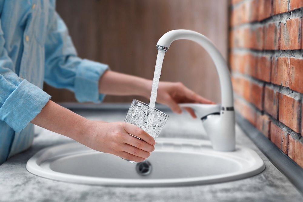 Фторирование воды не меняет её цвет, запах или вкус