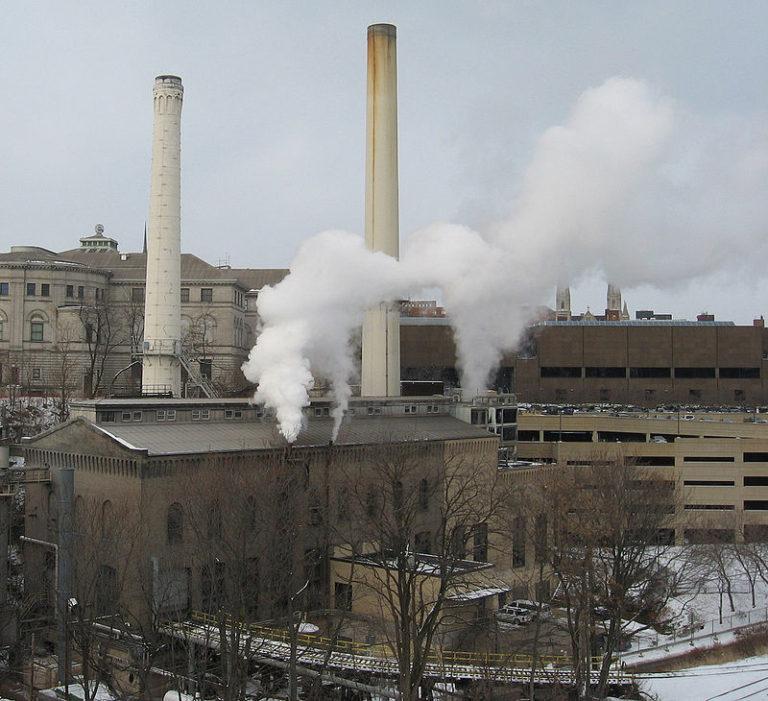 Зеленая химия включает в себя снижение загрязняющих источников