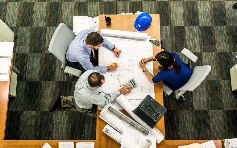 В Традиционной команде эксперты работают вместе по одному общему пути для осуществления процессов и целей своей команды