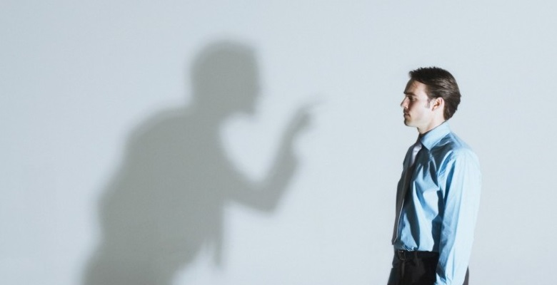 Деструктивная критика