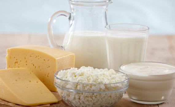 Казеин - это белок, содержащийтся в молоке и молочных продуктах