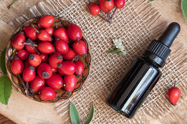 Масло Шиповника один из богатейших растительных источников витамина С