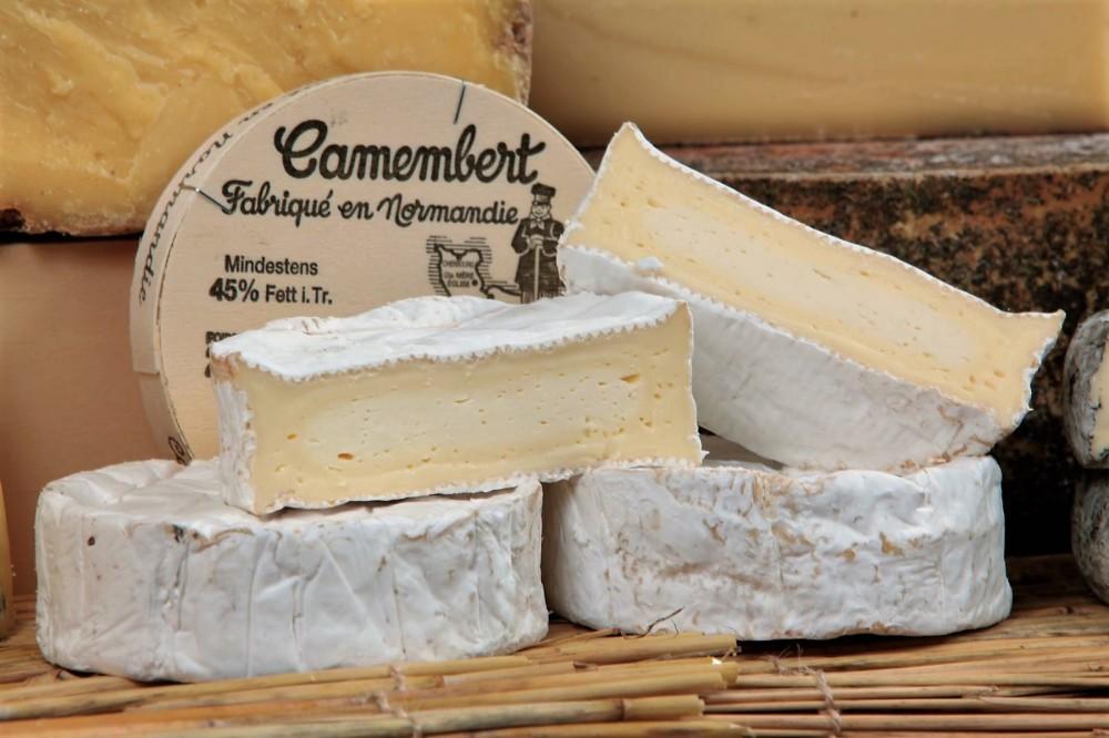 Сыр Камамбер произведеный в Нормандии