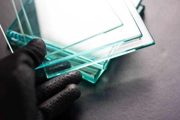 Оргстекло имеет идеально прозрачные края, которые можно полностью отполировать