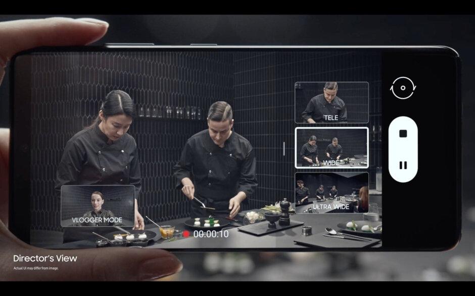 В Samsung Galaxy S21 Ultra 5G имеется режим режиссера, отображающий в маленьких окошечках, что видит каждая из линз камеры