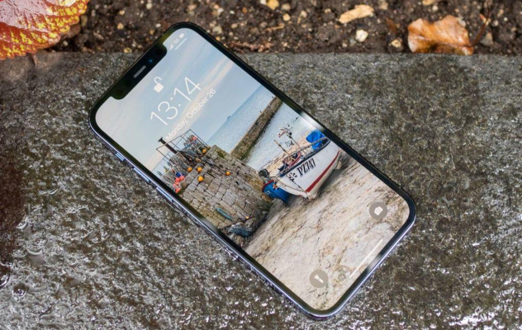 IPhone 12 Pro является рекордсменом по яркости, составляющая 742 нит