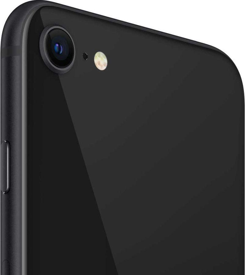 Основная камера в IPhone SE 2020 имеет 12-мегапиксельный сенсор
