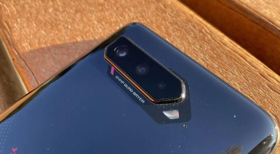 Asus ROG Phone 5 - блок задней камеры