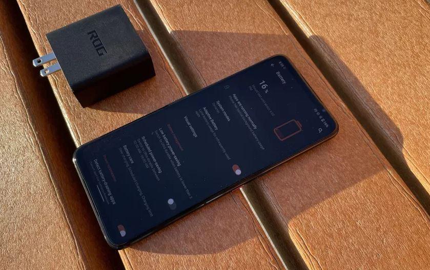 Asus ROG Phone 5 имеет в комплекте зарядное устройство мощностью 65 Вт
