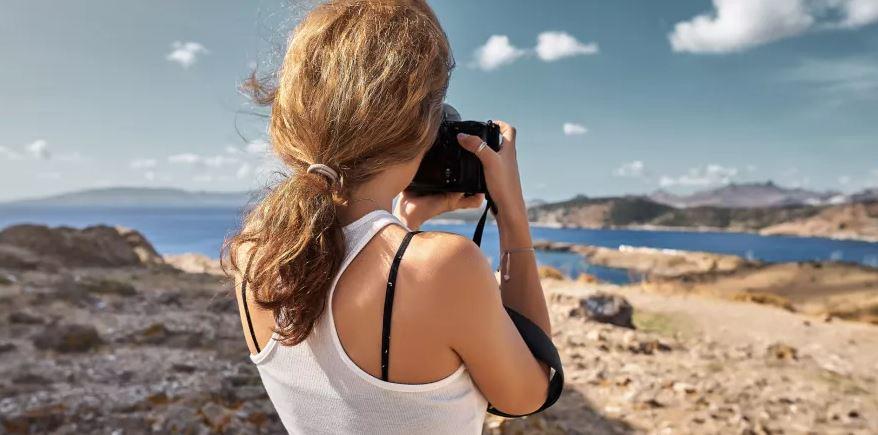 Хотите купить фотоаппарат?Ваш первый шаг - выбрать между зеркальной или беззеркальной системой.