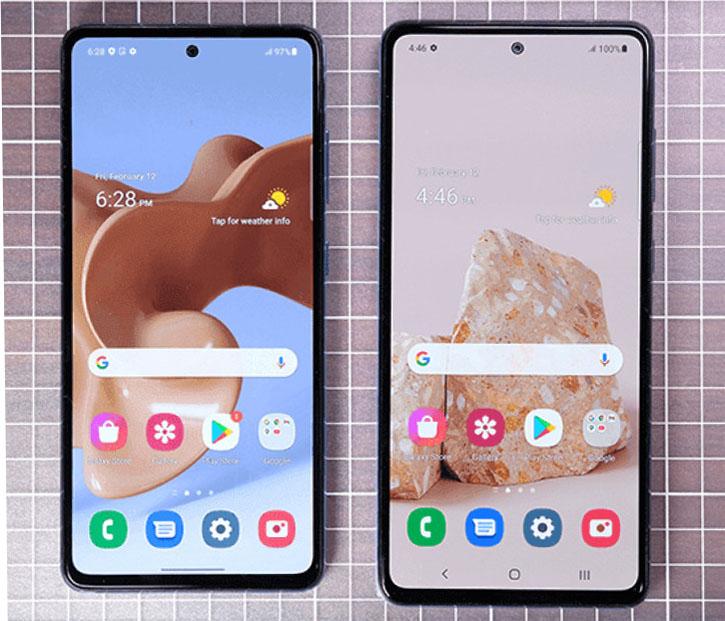 Samsung Galaxy A52 (слева) и Galaxy A72 (справа)