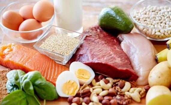 Если вы не принимаете пищу с высоким содержанием белка, вы подвергаетесь риску дефицита нужных аминокислот, что может привести к множеству проблем со здоровьем
