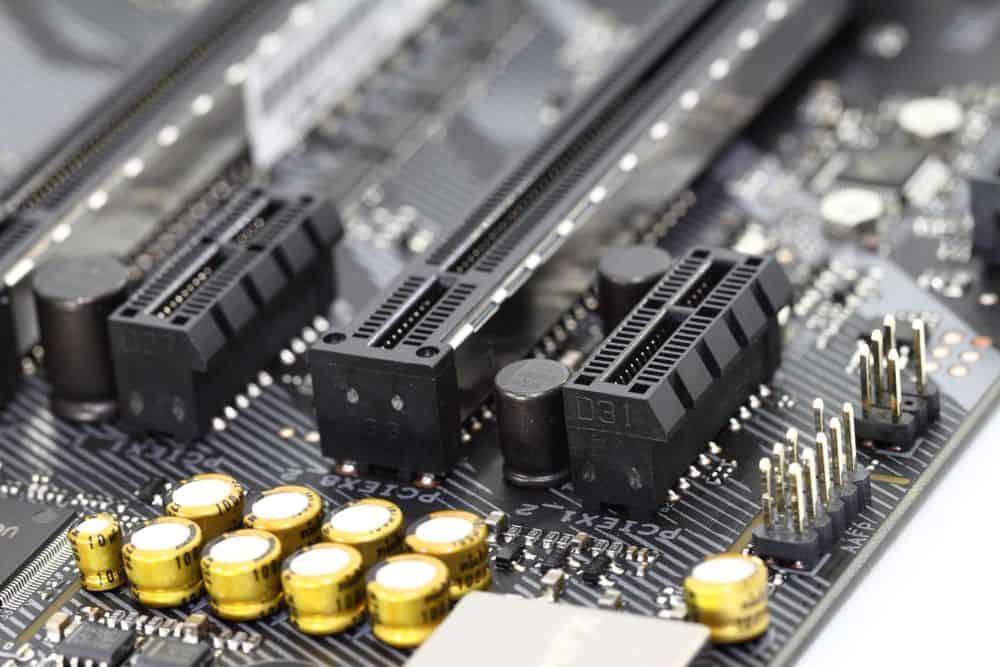Разъём PCIe на материнской плате