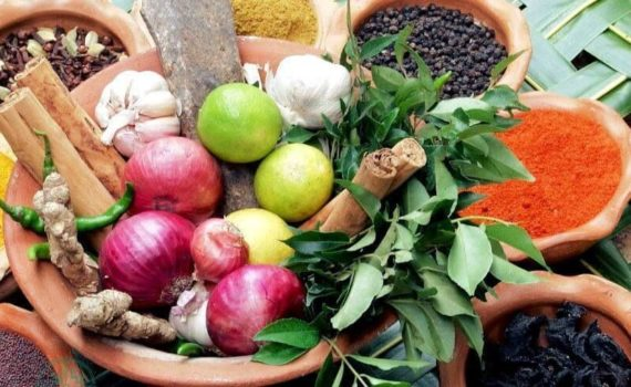 Наиболее эффективными средствами для очищения от паразитов являются черный орех, экстракт грейпфрута, масло орегано, гвоздичное масло, полынь и пробиотики