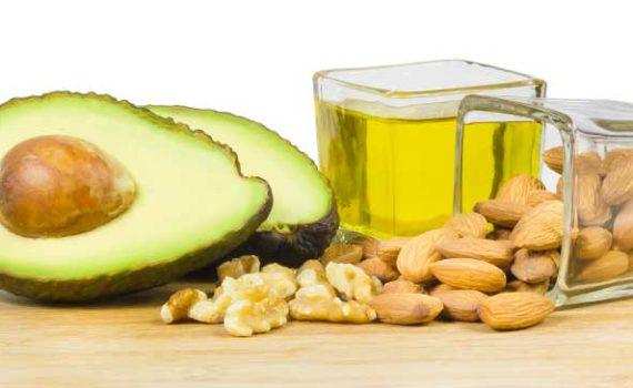 Бета-Ситостерин снижает холестерин и содержится в большом количестве в орехах, семенах, маслах и бобовых