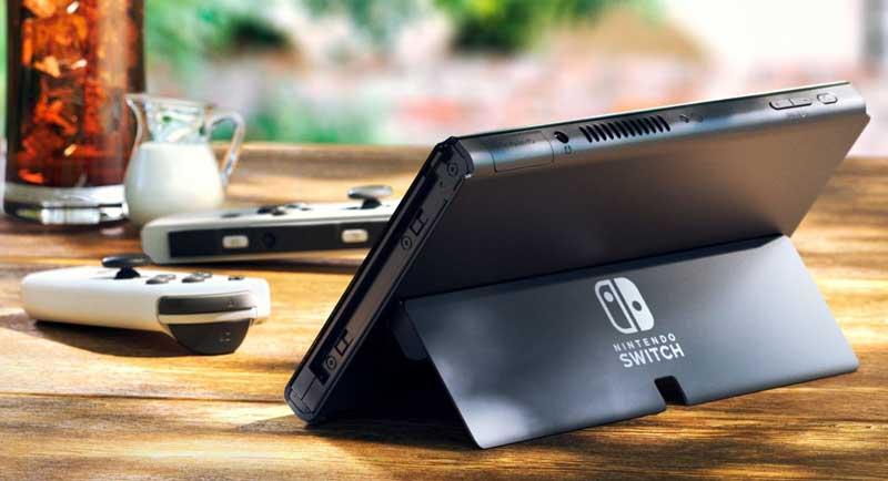 OLED-дисплей Nintendo Switch имеет удобную широкую регулируемую ножку