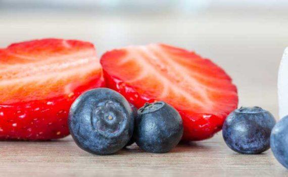 Охлаждающие продукты регулируют температуру тела, поддерживают гидратацию и балансируют уровень воды и минералов, улучшают пищеварение, баланс сахара в крови и уровень артериального давления