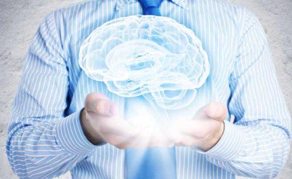 Чтобы улучшить память, постоянно нагружайте мозг новыми знаниями, соблюдайте противовоспалительную диету, делайте физические упражнения, высыпайтесь, а также можно попринимать ноотропы