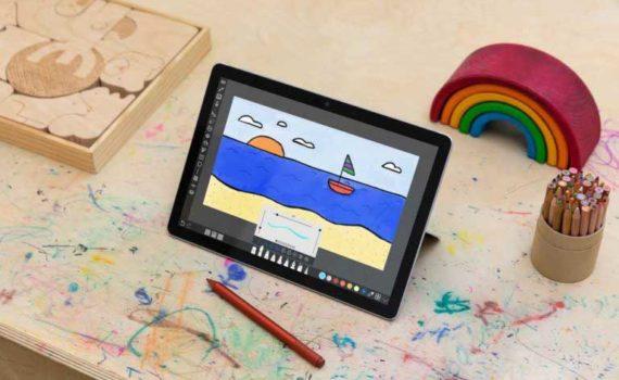 Microsoft Surface Go 3 с новым процессором Core i3 можно использовать с клавиатурой или без нее.