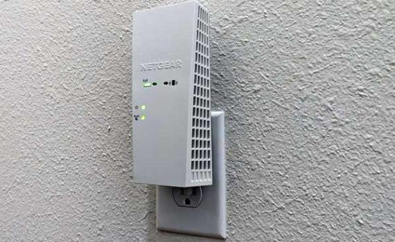 Рекомендуется использовать расширители Wi-Fi вместо повторителей Wi-Fi, так как последние могут повлиять на скорость ваших беспроводных подключений
